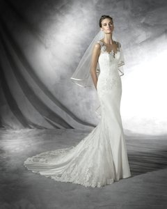 Pronovias Presea Wedding Dress
