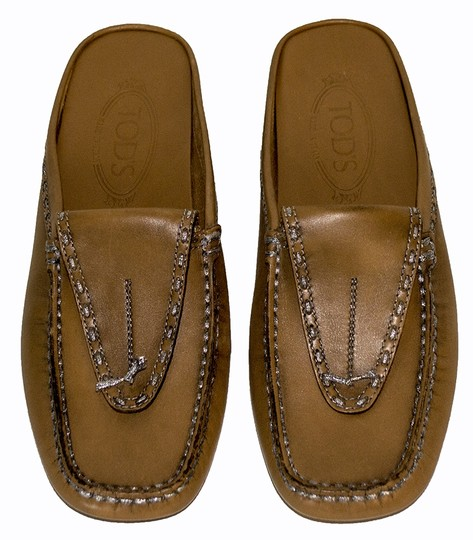 Tod's beige leather Flats