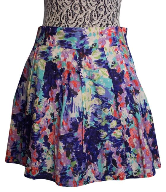 Preload https://item2.tradesy.com/images/delia-s-pleated-miniskirt-floral-1633286-0-0.jpg?width=400&height=650