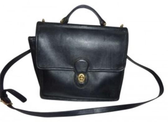 Preload https://item1.tradesy.com/images/coach-willis-black-leather-shoulder-bag-163330-0-0.jpg?width=440&height=440