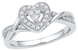 10K WHITE GOLD 0.25 CTTW DIAMOND HEART FASHION RING