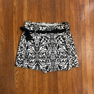 White House | Black Market Skort White and black