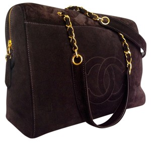 Chanel Gold Hardware Gold Cc Logos Pull Tote in LUSH CHOCOLATE BROWN SUEDE + CHOCOLATE BROWN LEATHER