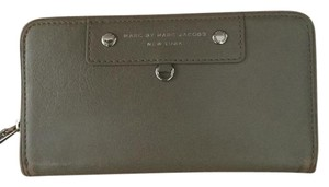 Marc by Marc Jacobs Marc by Marc Jacobs Zip around wallet