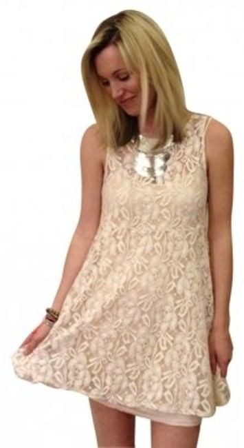 Preload https://item1.tradesy.com/images/free-people-alabaster-lace-mini-short-casual-dress-size-8-m-163385-0-0.jpg?width=400&height=650