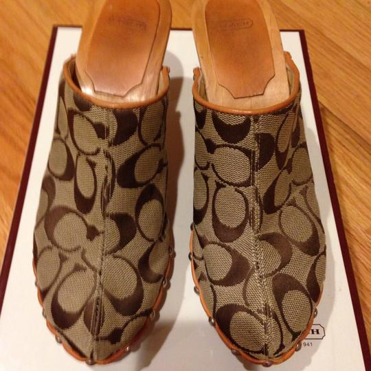 Coach Khaki/Natural Mules