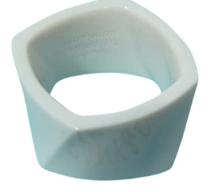 Tiffany & Co. Frank Gehry white chalcedony Wide Torque Ring Sz 6.5