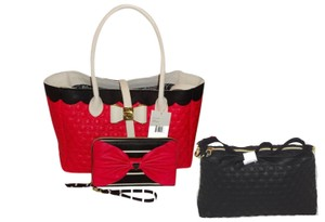 Betsey Johnson In A Tote in fuchsia