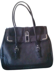 Guess Tote Duffle Carry-on Diaper black Travel Bag