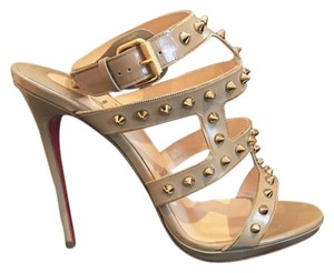 Christian Louboutin Beige/Gold Pumps