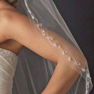 Diamond White Short Fingertip with Silver Embroidered Edge Bridal Veil