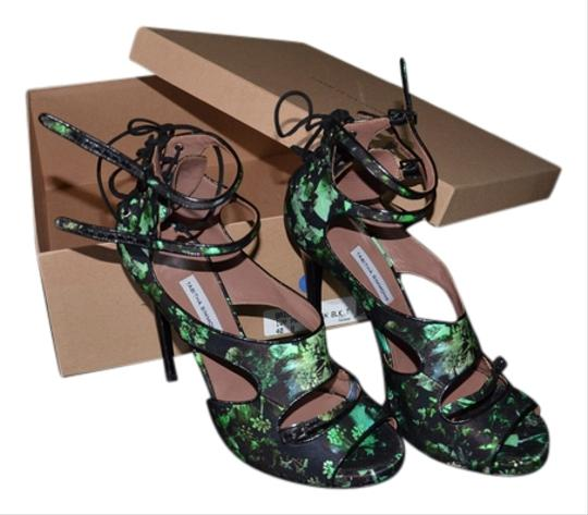 Tabitha Simmons Black w/greens Pumps