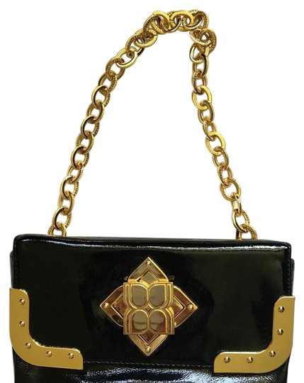 Preload https://img-static.tradesy.com/item/16351714/bcbgmaxazria-blackgold-patent-leather-clutch-0-1-540-540.jpg