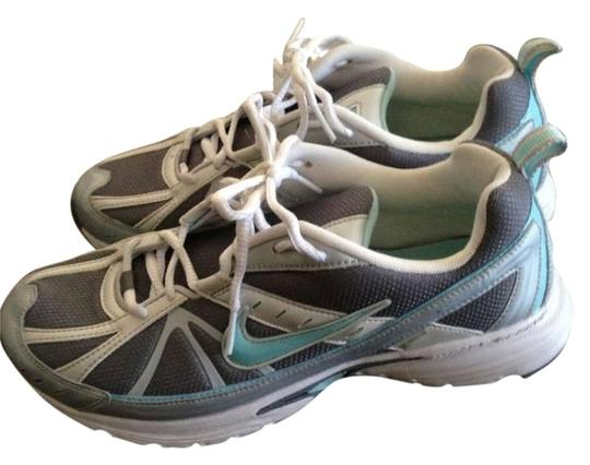 Preload https://item4.tradesy.com/images/nike-silver-and-teal-walkingrunning-sneakers-size-us-10-163588-0-0.jpg?width=440&height=440