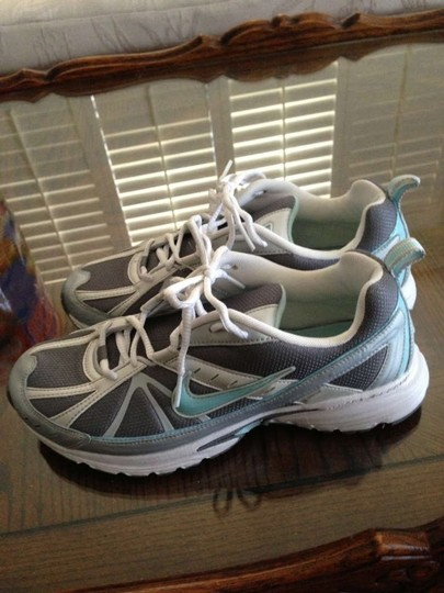 Nike silver and teal Athletic