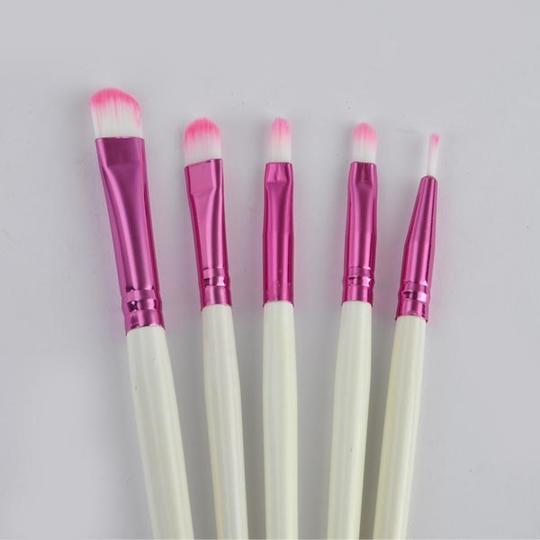 Other BNWOT ~ 8 PC Personal / Travel Cosmetic Brushes with Pouch