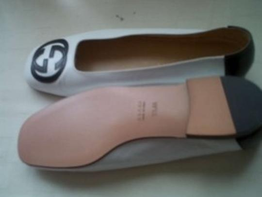 Gucci Vintage White and black Flats