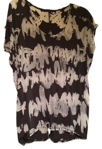 BCBGMAXAZRIA Top Super-soft sheer multi-color