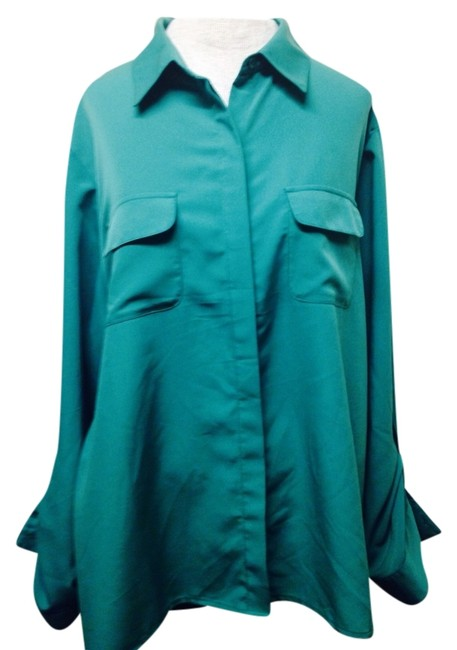 Preload https://item4.tradesy.com/images/chico-s-green-button-down-top-size-16-xl-plus-0x-1636388-0-0.jpg?width=400&height=650