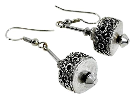 Preload https://img-static.tradesy.com/item/16364935/silver-modernist-sterling-earrings-0-1-540-540.jpg