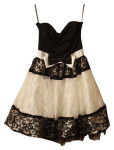 Jessica McClintock Lace Prom Homecoming Strapless Bow Dress