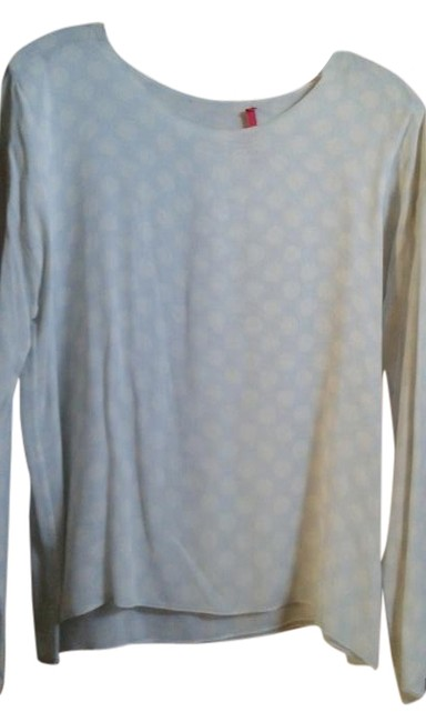 Preload https://img-static.tradesy.com/item/16365643/pale-blue-white-with-polka-dots-tunic-size-6-s-0-1-650-650.jpg