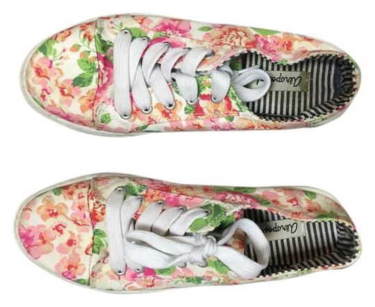 Preload https://img-static.tradesy.com/item/16366039/aeropostale-pink-white-and-green-floral-canvas-sneakers-platforms-size-us-8-regular-m-b-0-1-540-540.jpg