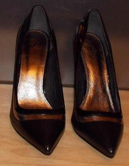Adrianna Papell black/gold Pumps