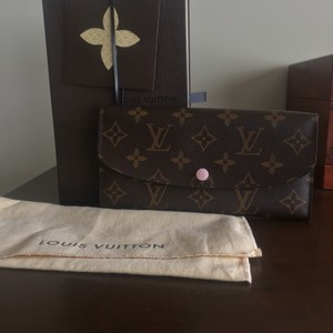 1f259bae6c95 Louis Vuitton Louis Vuitton Rare  Old Model 2015  Rose Ballerine Emilie  Wallet with Extra