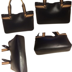 Gucci Large Dust Included Satchel in Black