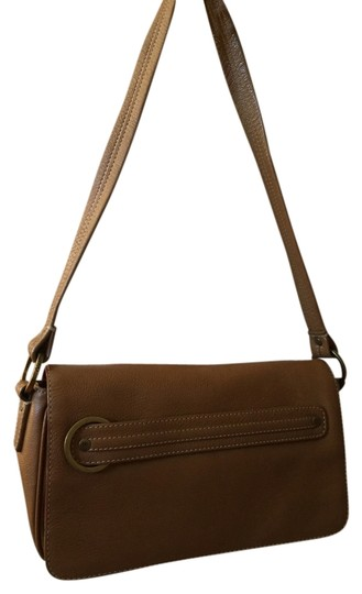 Preload https://item5.tradesy.com/images/cole-haan-leather-zip-detail-shoulder-bag-tan-1637709-0-0.jpg?width=440&height=440