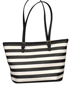Bueno Collection Tote in Black