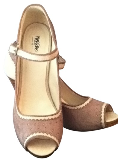 Preload https://img-static.tradesy.com/item/16380/mossimo-supply-co-tan-and-beige-pumps-size-us-8-0-0-540-540.jpg