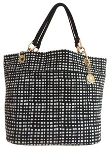 Tommy Hilfiger Nwt Tote in Black and white