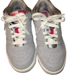 Nike Wolf grey/ white -voltage cherry Athletic