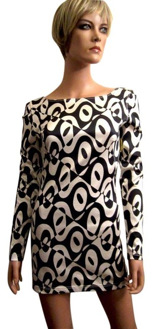 Preload https://img-static.tradesy.com/item/16380970/emanuel-ungaro-black-and-white-parallele-s-op-art-geometric-gogo-mini-60-s-style-short-cocktail-dres-0-1-650-650.jpg