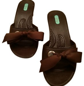 OKA b. Brown with Brown Bow Sandals