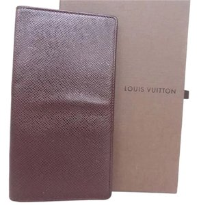 Louis Vuitton Louis Vuitton Taiga Agenda de Poche Mini Long Wallet