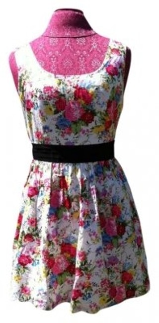 Preload https://item5.tradesy.com/images/forever-21-floral-sleeveless-with-black-sash-above-knee-short-casual-dress-size-8-m-163849-0-0.jpg?width=400&height=650