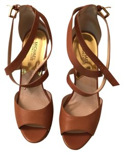 MICHAEL Michael Kors Briwn Wedges