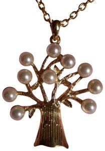 Tree w/Faux Pearls Necklace
