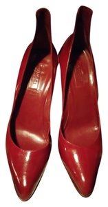Gucci Leather Sexy Collectors lipstick red pumps with studs Pumps