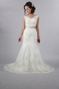 Handmade Elegant Sweetheart Open V Back White Lace Wedding Dress With Customize Color Sash Mermaid Style Wedding Dress