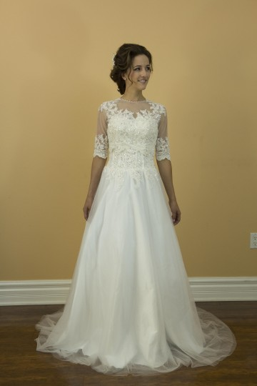 White Tulle Silk Lace Handmade A Line Appliques and 2 In 1 with A Detachable Jacket Modern Wedding Dress Size 4 (S)