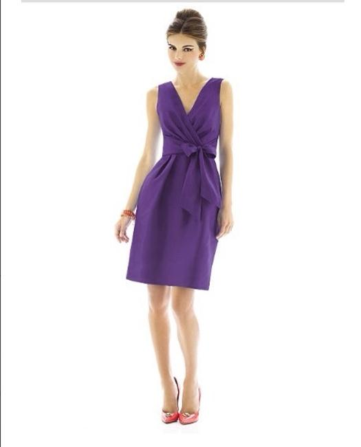 Item - Majestic (Purple) Polyester Traditional Bridesmaid/Mob Dress Size 4 (S)