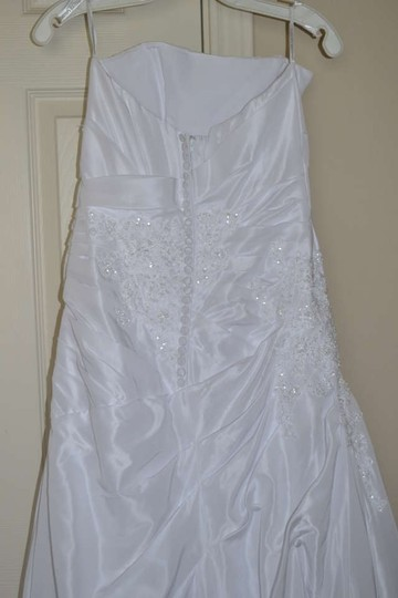 David's Bridal Solid White Polyester T9579 Traditional Wedding Dress Size 4 (S)