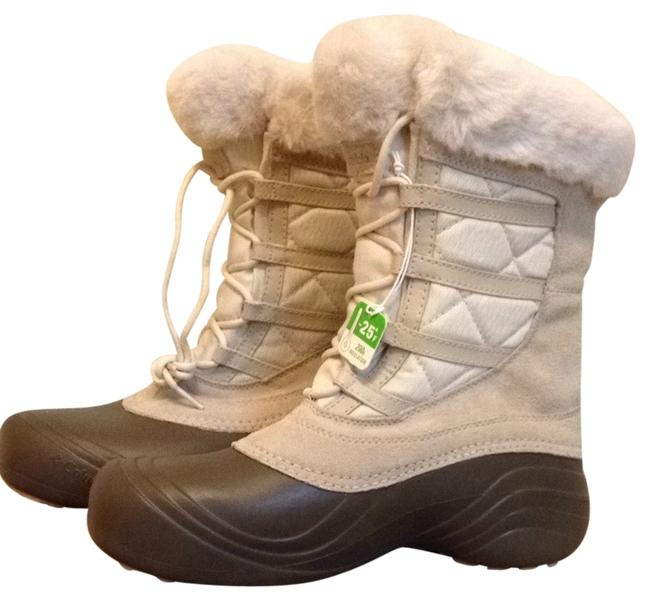 Item - Tan and Brown Boots Winter Snowboots Tanboots Brownboots Booties Hiking Sneakers Size US 9