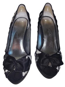 Michelangelo Black and White Pumps