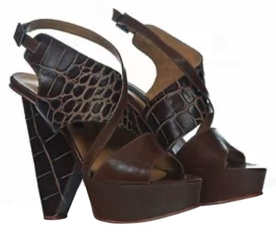 Fernando Pires Parladimoda Talkingfashion 6 Inches High Heels Sky High Sculptural Croco Leather Croco Leather High End Coture brown Sandals