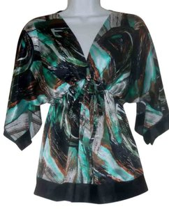 BCBGMAXAZRIA Modern Print Angel Wings Sleek Chiffon Top Geometric